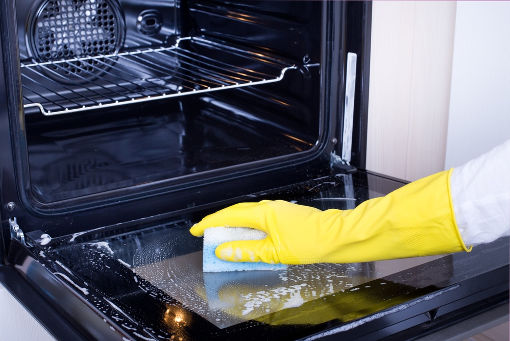 How To Clean An Oven Without Oven Cleaner